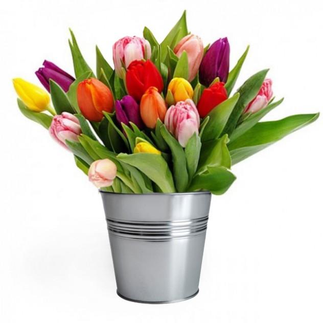 """Композиция """"Тюльпаны в ведре"""""""